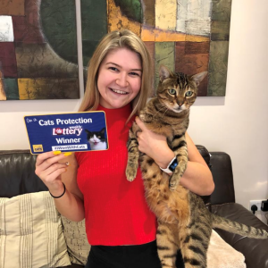 Ciara McDonnell - Weekly Lottery Jackpot winner and her cat Cooper